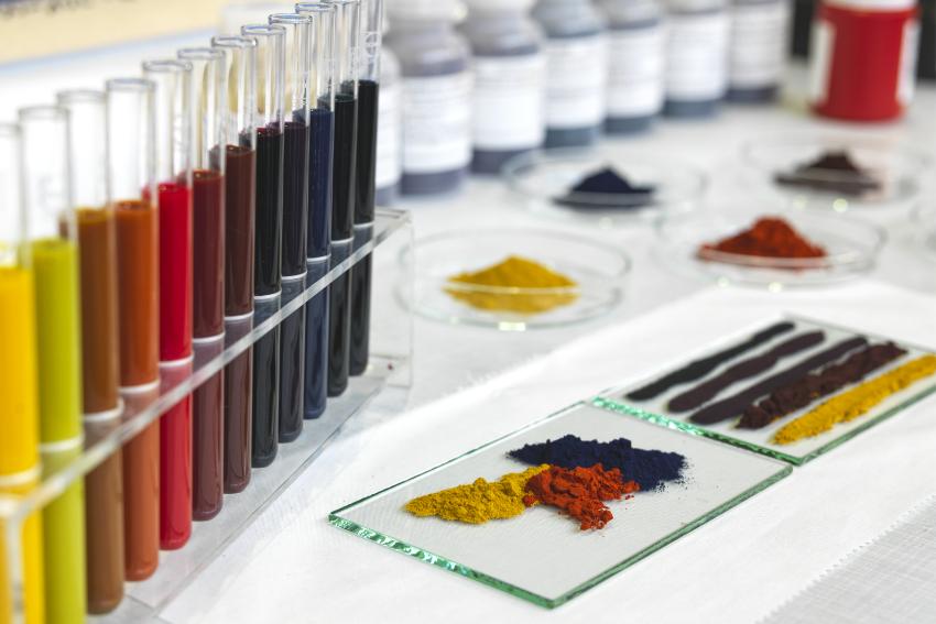 Textilveredlung Textilausrüstung: Färben von Geweben bei TexTeam Windel